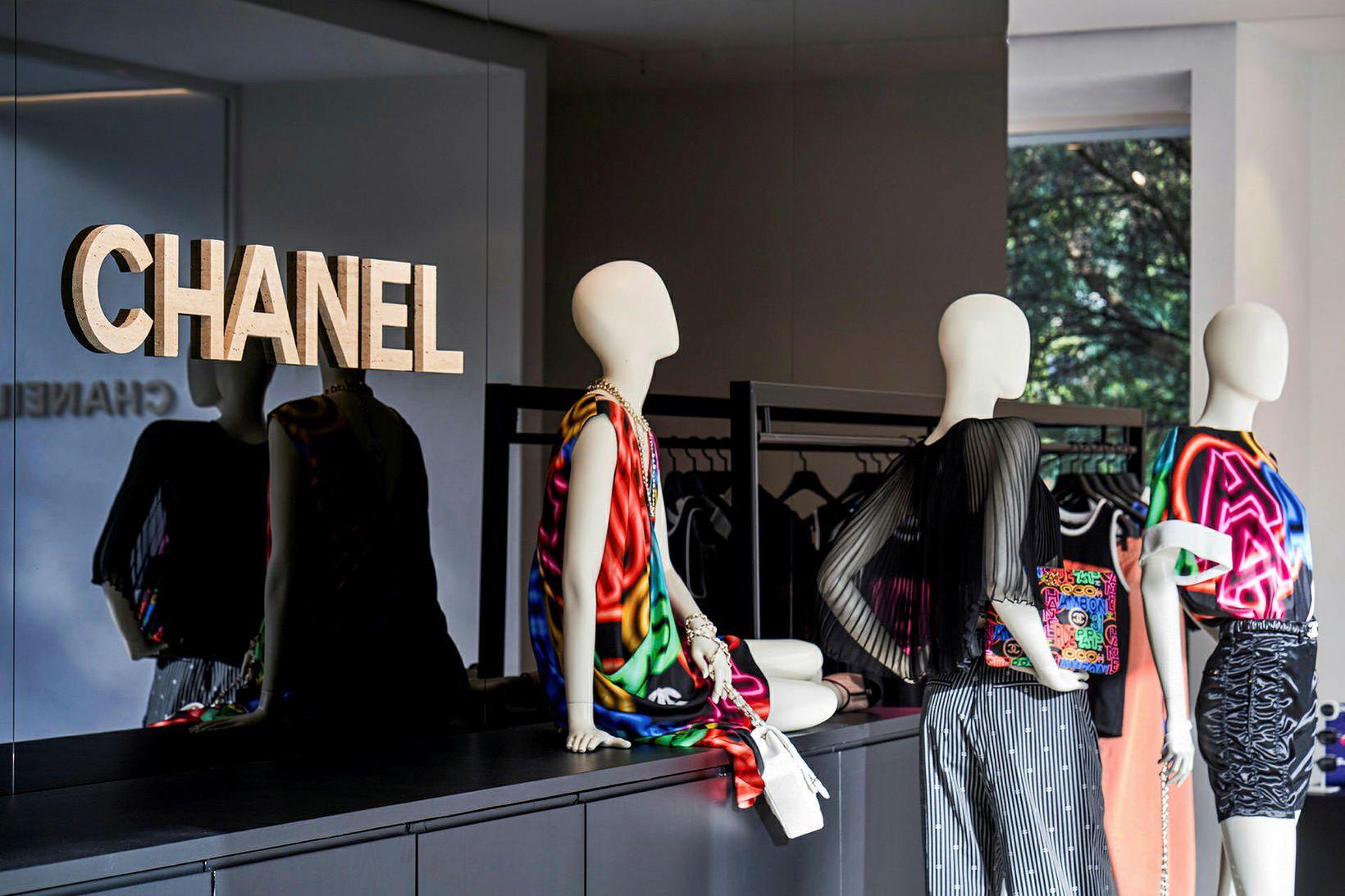 Svarti liturinn hefur alltaf verið einkennislitur Chanel.