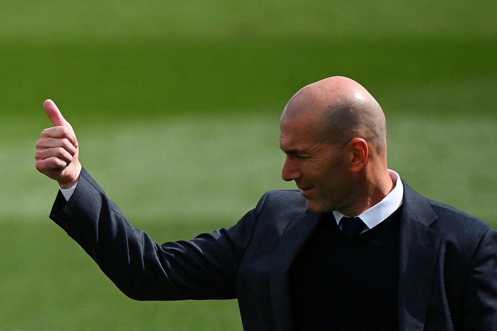 Zinedine Zidane er samningsbundinn Real Madrid til 2022.