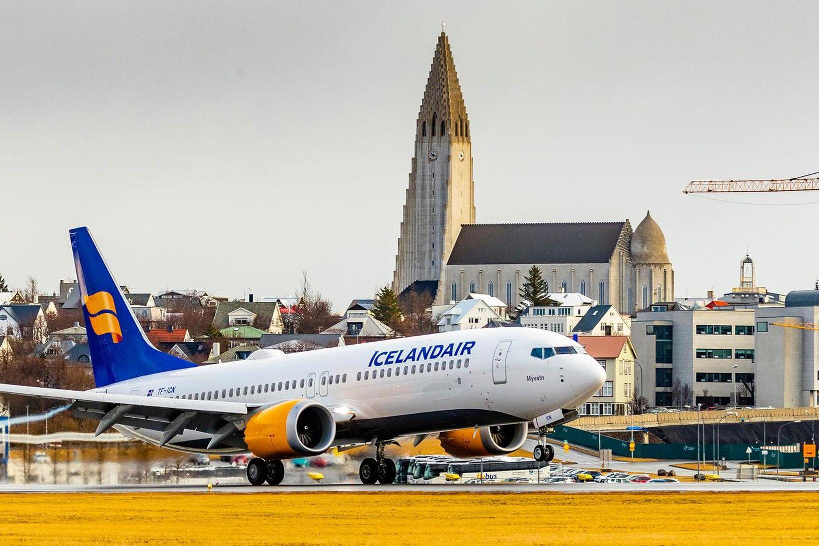 Boeing 737 MAX á Reykjavíkurflugvelli. Flugvél af þessari gerð mun …