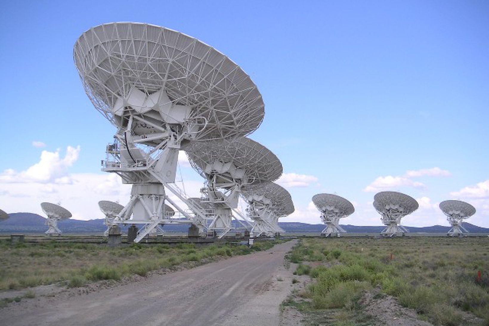 SETI notar útvarpssjónauka til þess að leita að ummerkjum um …
