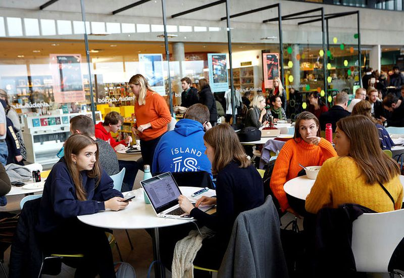 There are about 1,300 foreign students registered at the University of Iceland.