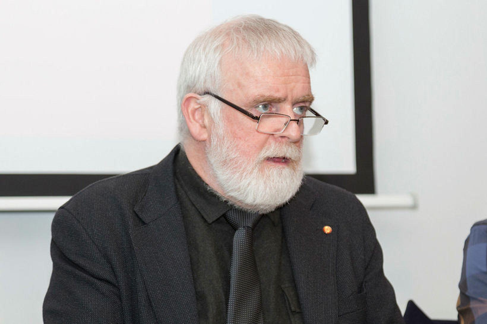 Gylfi Arnbjörnsson, fyrrverandi forseti ASÍ, stýrir starfi hópsins.