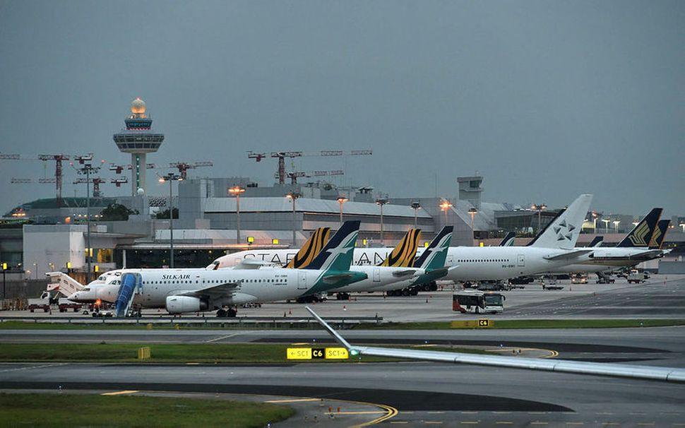 Changi-flugvöllurinn í Singapore. Flugmálayfirvöld í ríkinu hafa kyrrsett allar Boeing ...