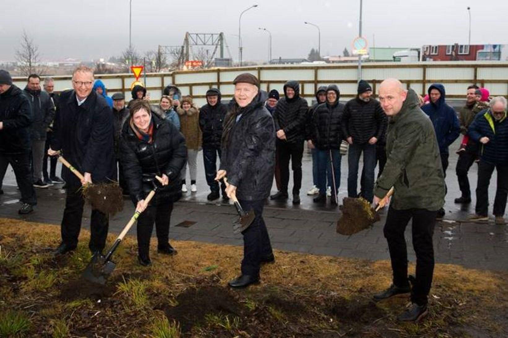 Guðjón Arngrímsson, Ásta Stefánsdóttir, Gísli Halldór Halldórsson og Leó Árnason …