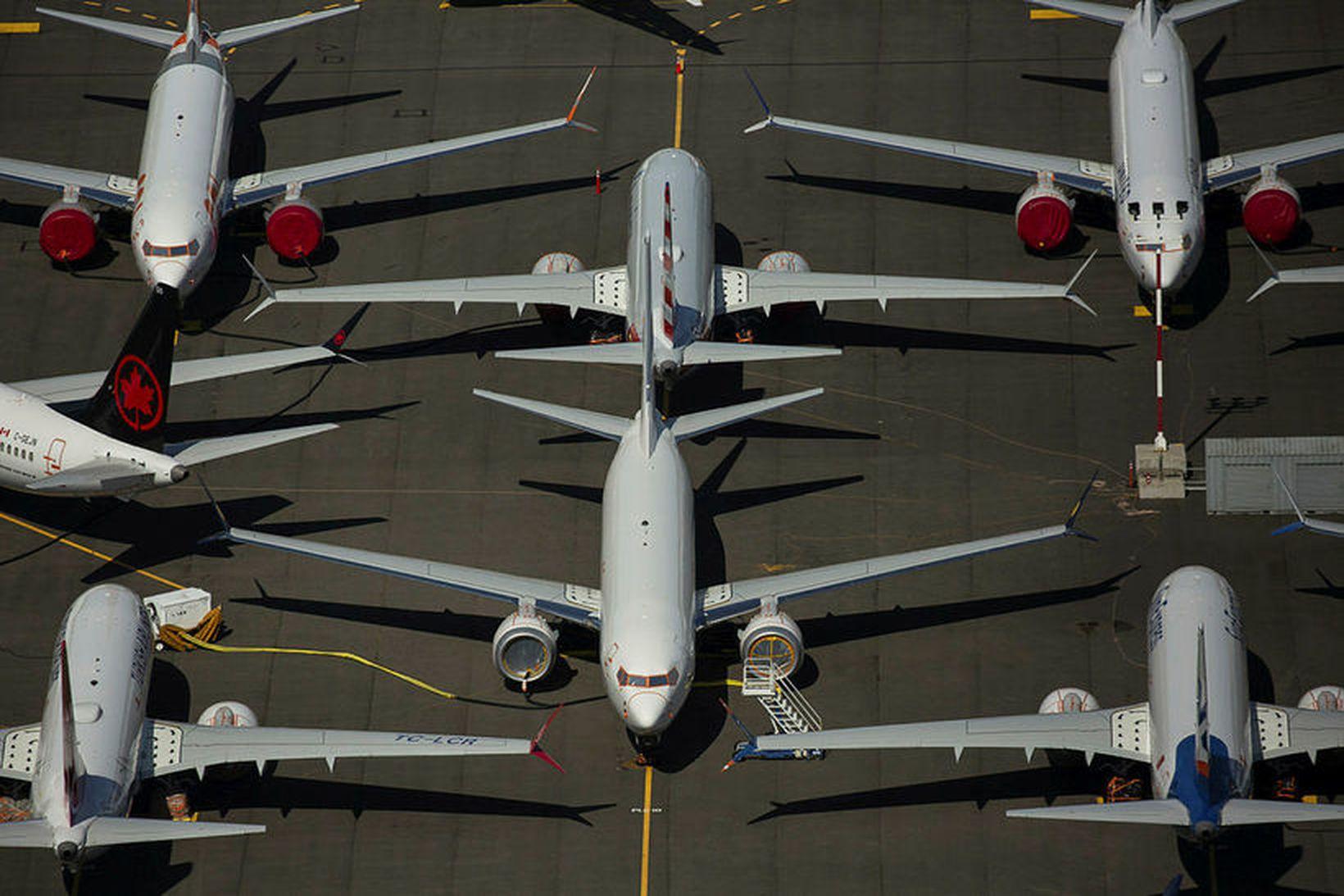 Kyrrsettar Boeing 737 MAX-farþegaþotur í nágrenni höfuðstöðva Boeing í Seattle.