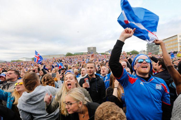 Þjóðhátíðarstemning á Arnarhóli