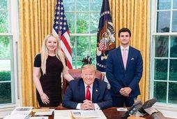 Tiffany Trump, Donald Trump og Michael Boulos.