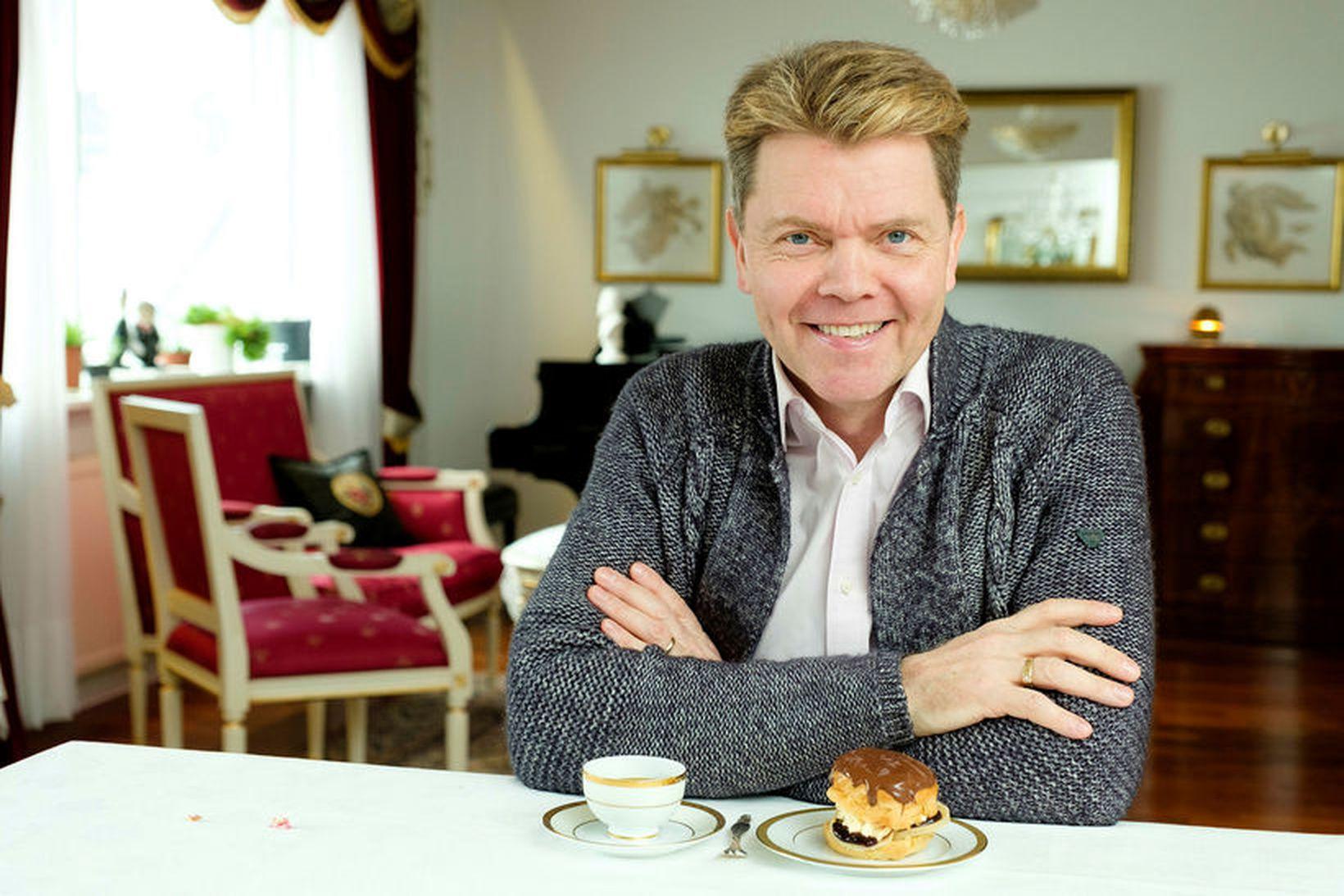 Albert Eiríksson er meistari í mannasiðum.