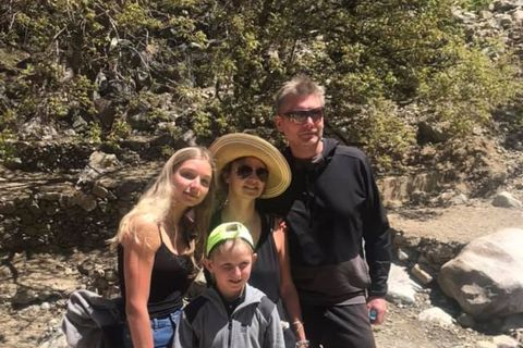 Mía, with her family in Morocco.