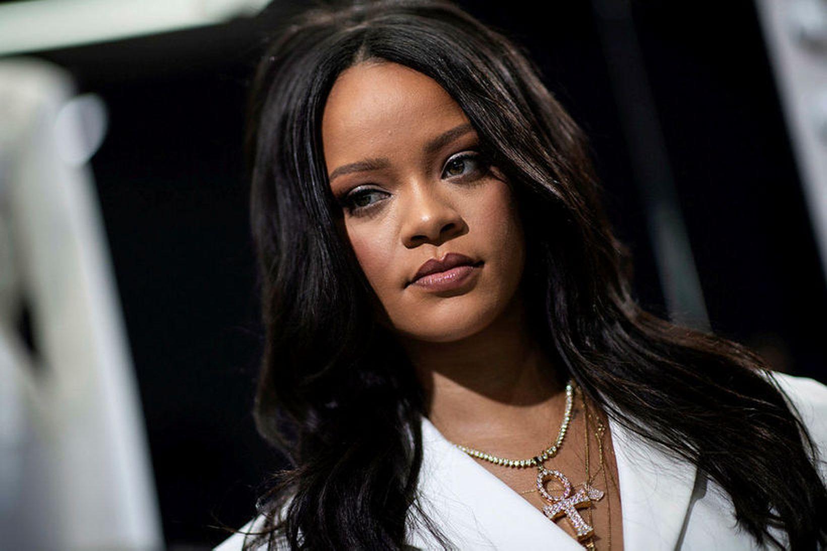 Rihanna seldi sýningarréttinn að tískusýningu sinni á tískuvikunni í New …
