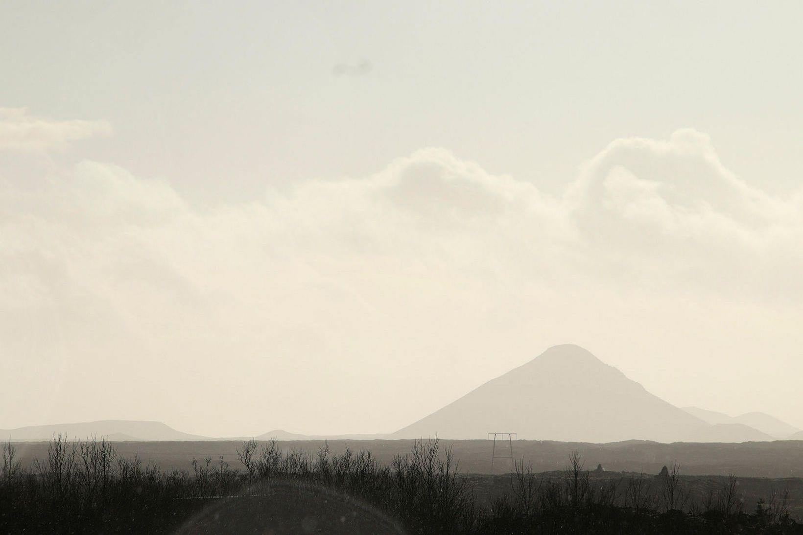 Skjálftahrinan hefur færst nær Keili.