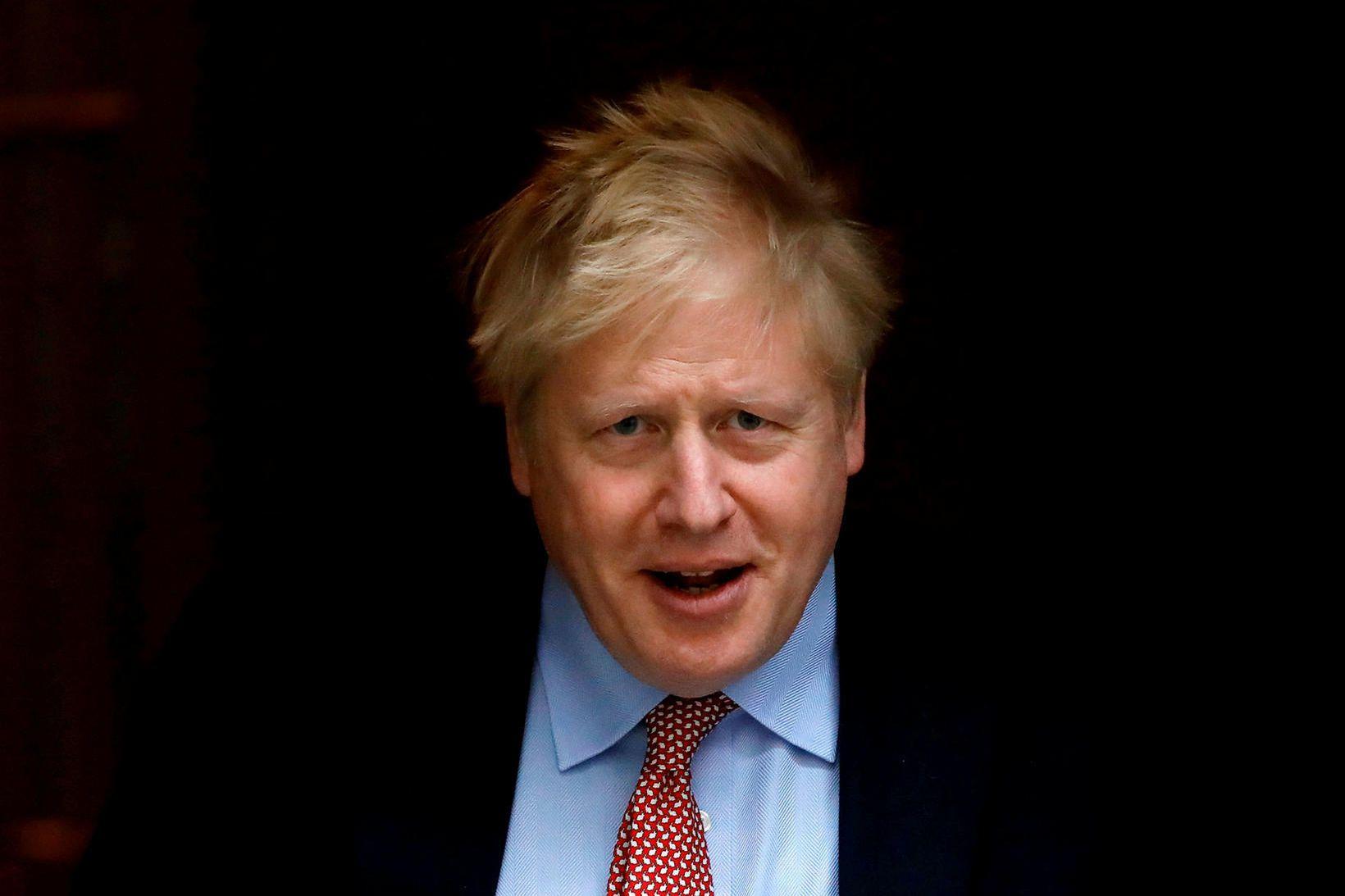 Boris Johnson forsætisráðherra Bretlands svarar meðferð vel.