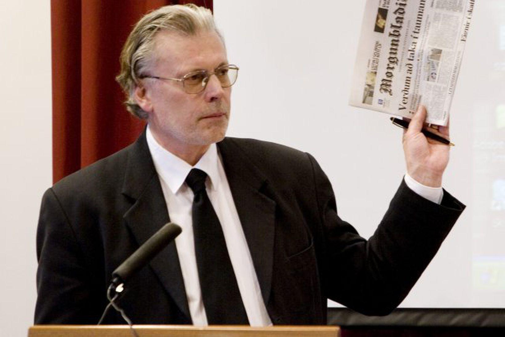 Ögmundur Jónasson vill takmarka klámframboð.