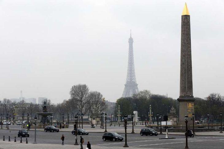 Frá París.