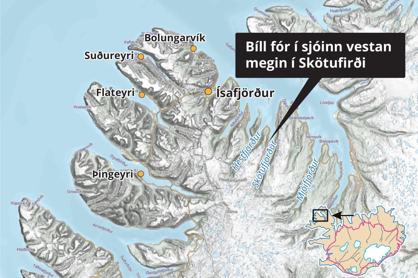 Bifreiðin rann út af veginum vestan megin í Skötufirði og …