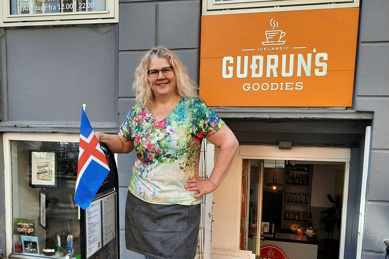 Guðrún sker sig úr hópi kaffihúsaeigenda í Kaupmannahöfn með því …