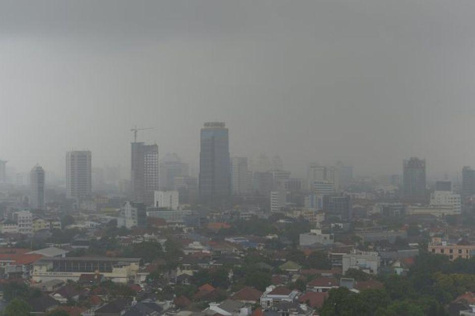 Mengunarský yfir borginni Jakarta á Indónesíu.