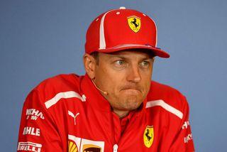 Kimi Räikkönen varðist fimlega spurningum um framtíð hans í formúlunni á blaðamannafundi í Spielberg.