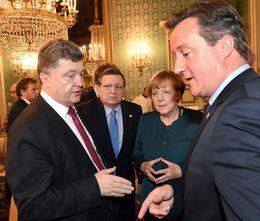 Forseti Úkraínu, Petro Porósjenkó, forseti framkvæmdastjórnar ESB; Jose Manuel Barroso, kanslari Þýskalands, Angela Merkel og ...
