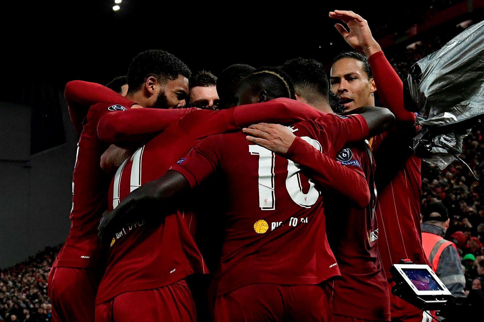 Leikmenn Liverpool fagna.