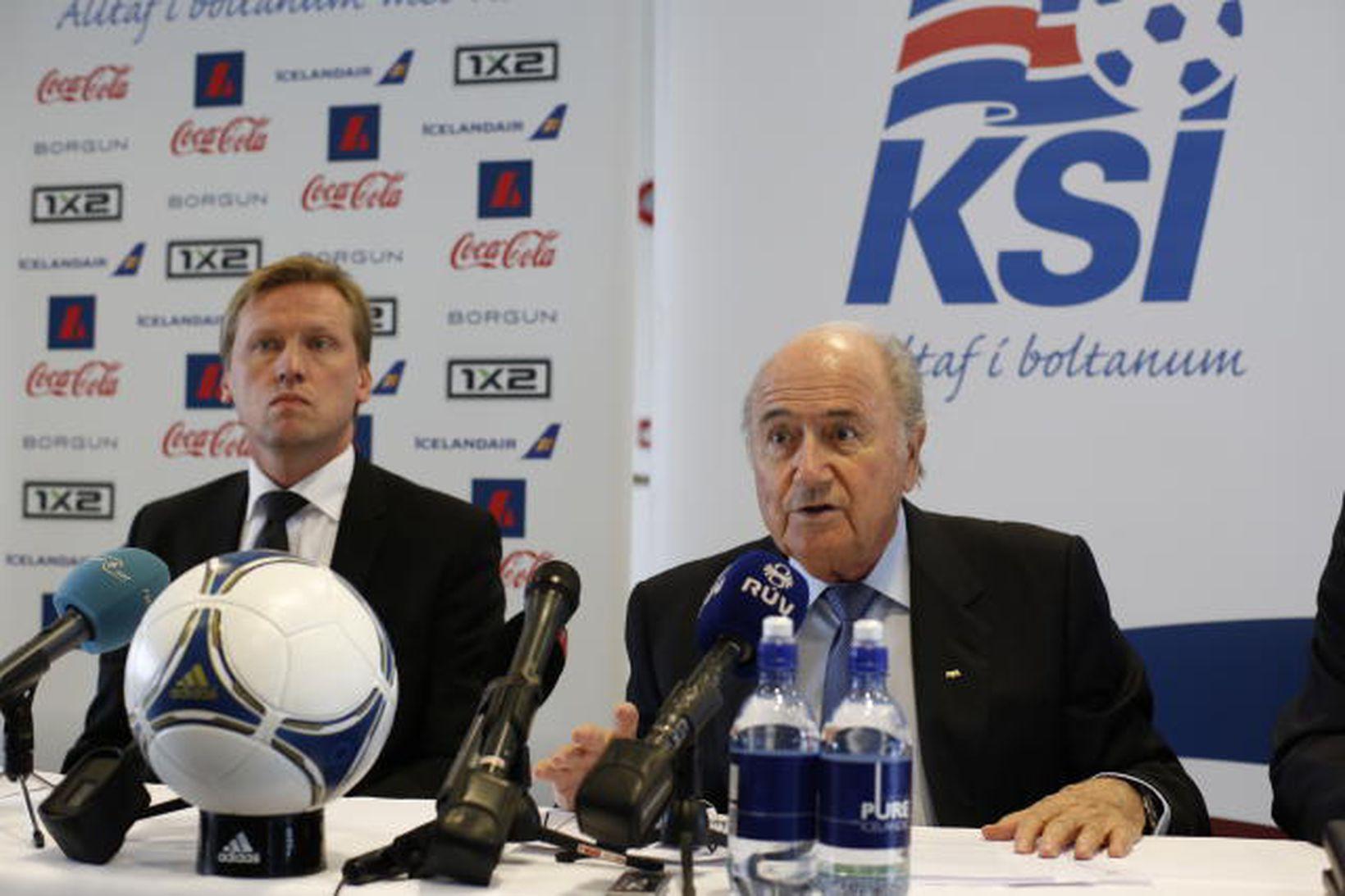 Geir Þorsteinsson formaður KSÍ og Sepp Blatter forseti FIFA. Myndin …