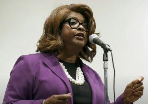 Ella Jones er fyrsta þeldökka konan sem og fyrsta konan til þess að sinna starfi borgarstjóra í Ferguson.