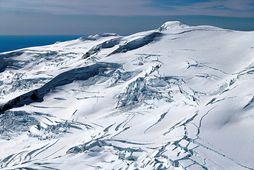 Öræfajökull. Megineldstöðin er hulin ís og askjan er full af ís. Ef þar brýst út …