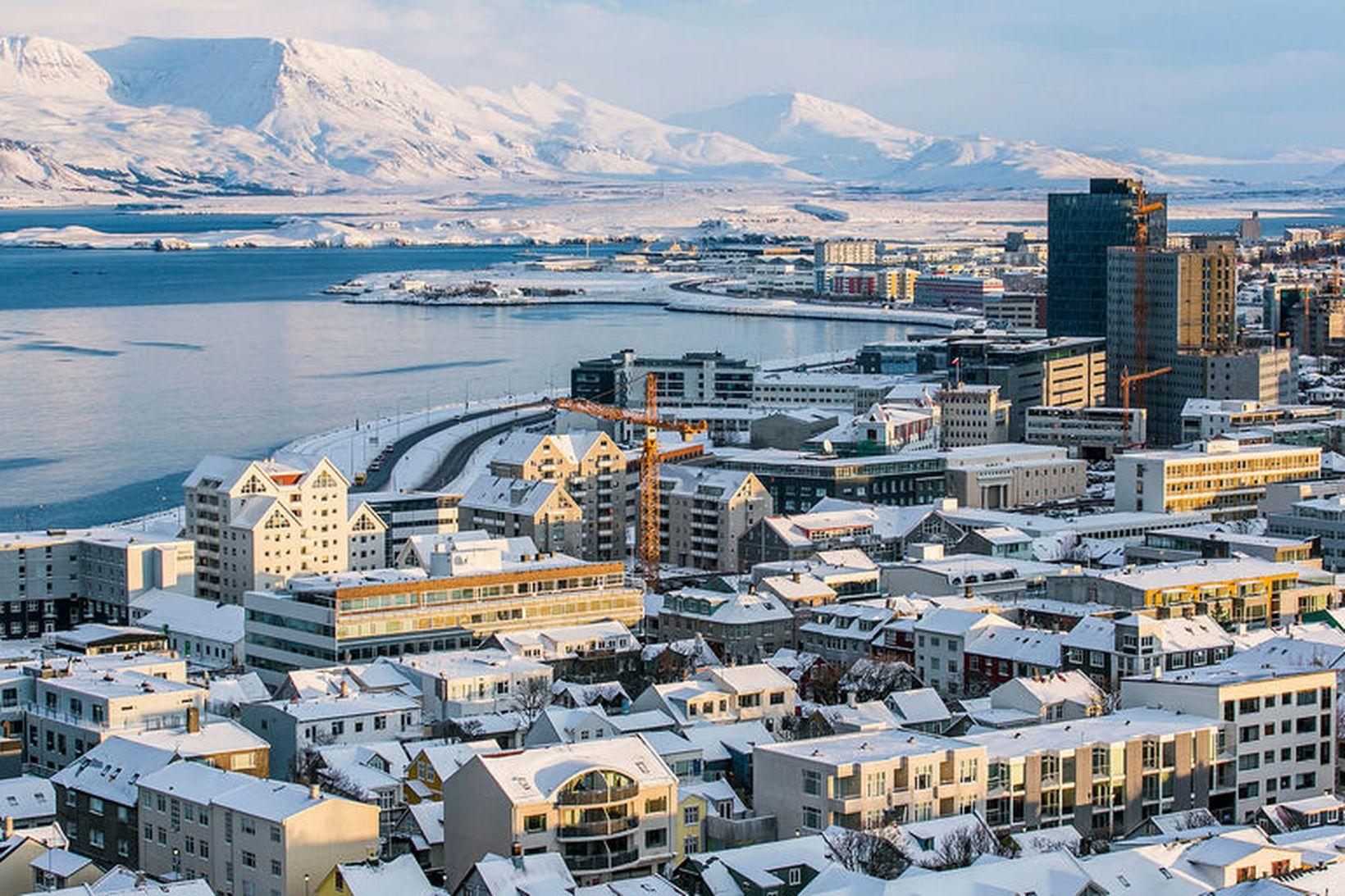 Aðkallandi er orðið að taka aðflutning innflytjenda til greina við …