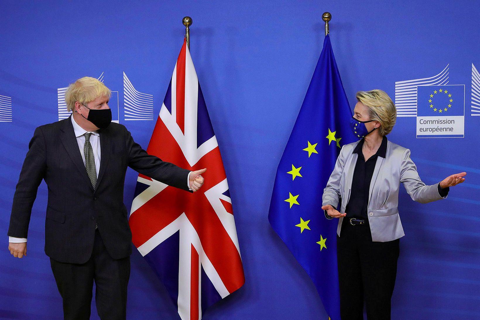 Boris Johnson, forsætisráðherra Bretlands, og Ursula von der Leyen, forseti …