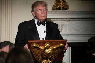 Donald Trump Bandaríkjaforseti greindi ríkisstjórunum frá því að hann hygðist auka fjárframlög til varnarmála verulega.