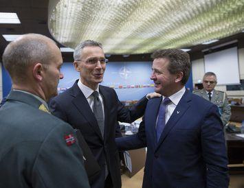 Guðlaugur Þór Þórðarson utanríkisráðherra ásamt Jens Stoltenberg, framkvæmdastjóra NATO.