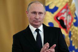 Vladimír Pútín, forseti Rússlands, á fundi með herforingum í Kreml í dag.
