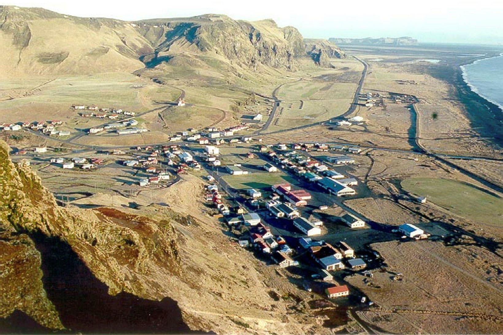 Vík í Mýrdal. Hópsmitið má rekja til vinnustaðar í Mýrdalshreppi.