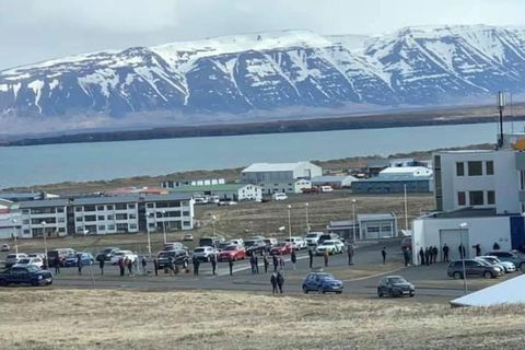 Hátt í 200 manns voru skimaðir í Skagafirði í dag og myndaðist röð við sjúkrahúsið …