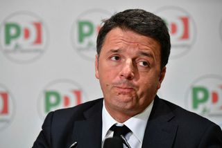 Matteo Renzi, ætlar nú einnig að segja af sér sem leiðtogi ítalska demókrataflokksins.