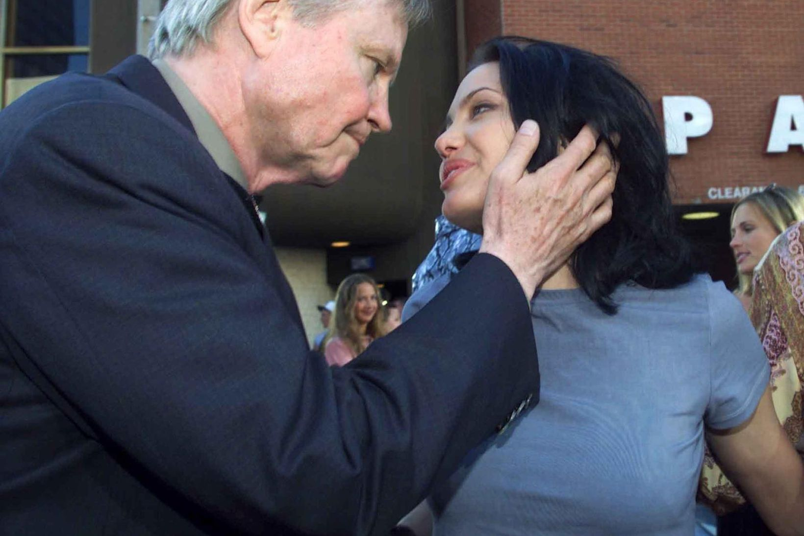 Hollywood-feðginin Jon Voight og Angelina Jolie.