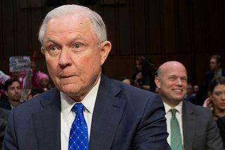 Jeff Sessions, fyrrverandi dómsmálaráðherra, í forgrunni og Matthew Whitaker fyrir aftan.