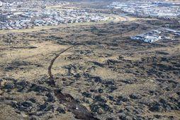 Unnið er að því að leggja nýjan Álftanesveg í gegnum Garðahraun.