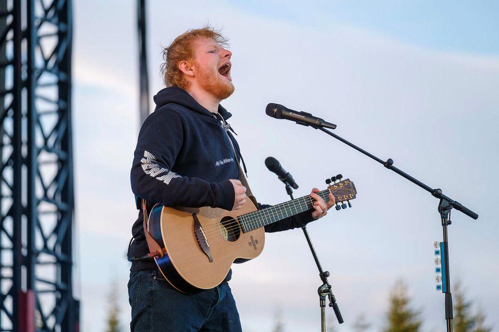 Ed Sheeran raular í Laugardalnum í ágúst sl.