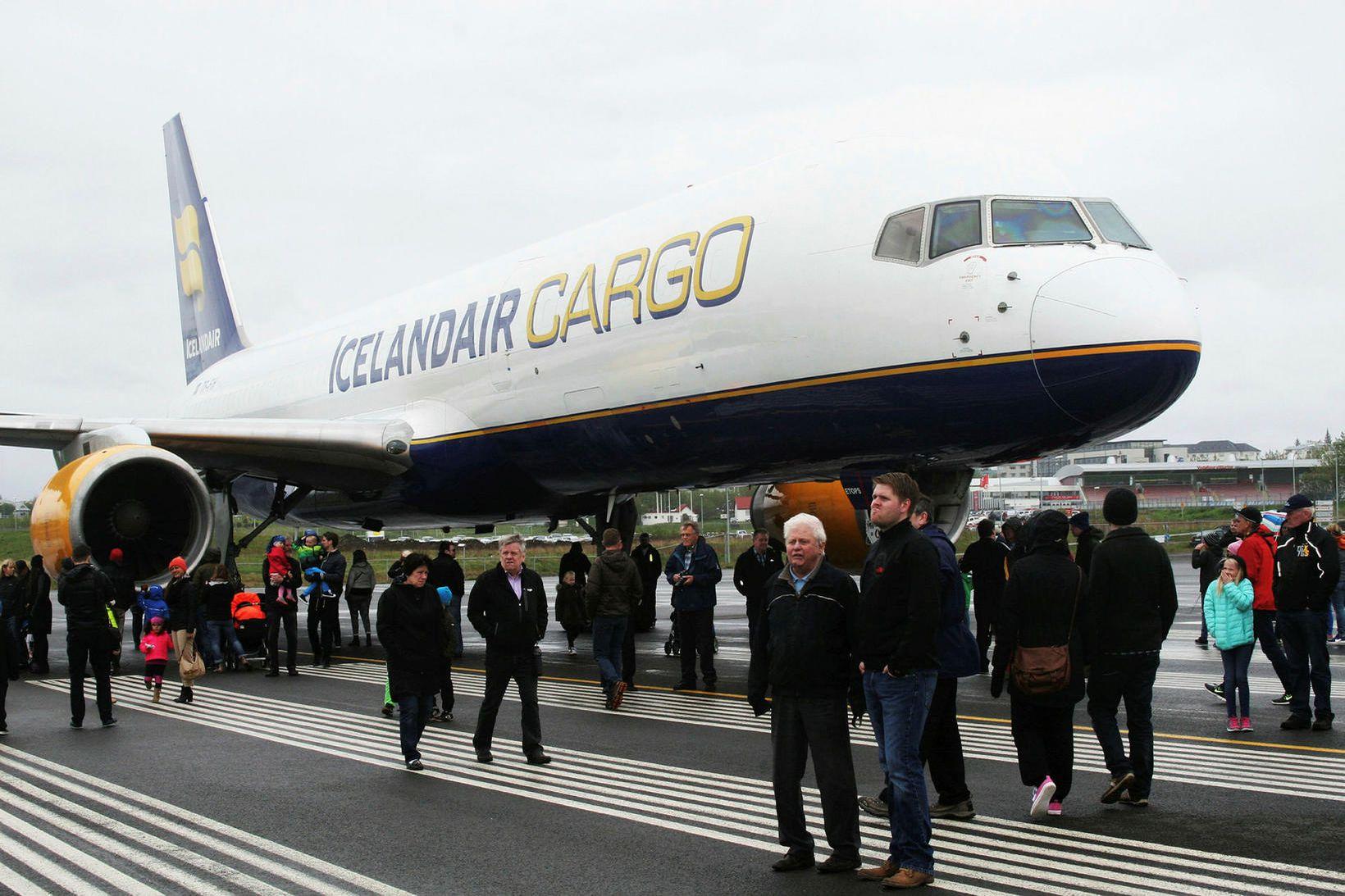 Starfsemi Icelandair Cargo er umfangsmikil, en félagið gerir útnokkrar þotur …