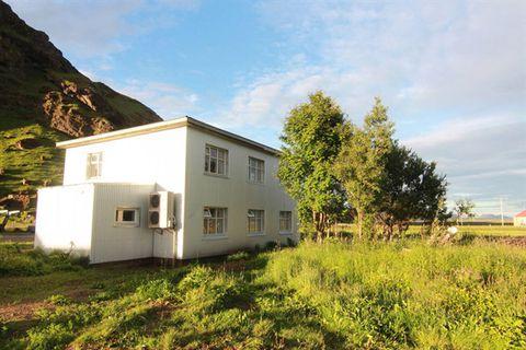 Hrútafell Guesthouse