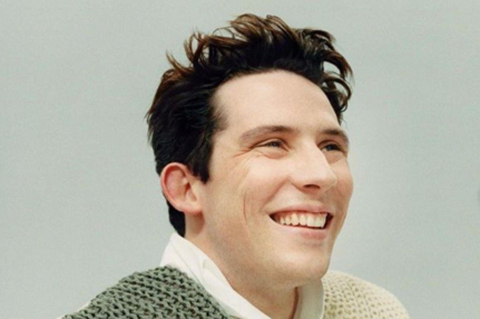 Josh O´Connor leikur Karl Bretaprins.