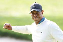 Tiger Woods varð fyrir vonbrigðum í dag eftir að hafa leikið ágætlega í gær.