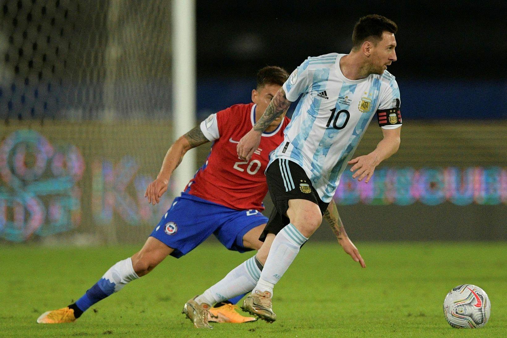 Lionel Messi skoraði beint úr aukaspyrnu.