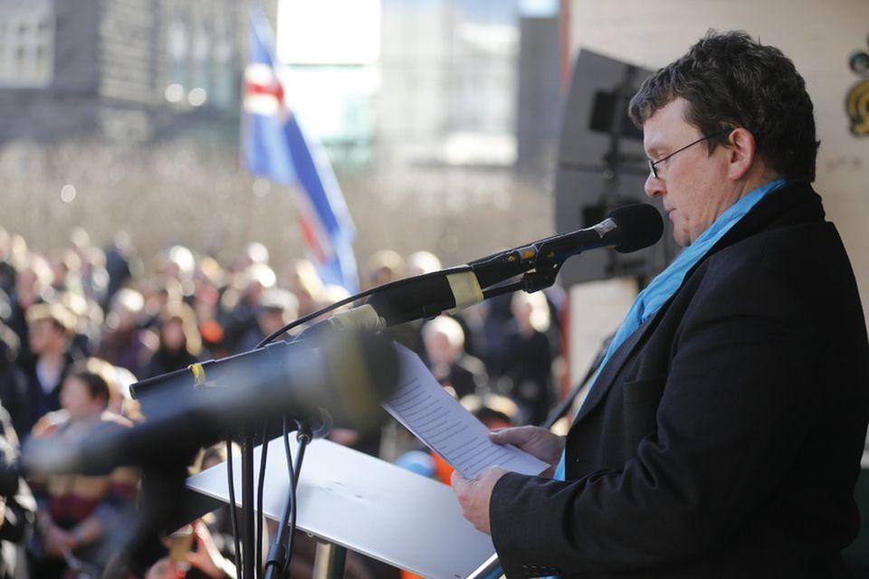 Illugi Jökulsson flytur ræðu á samstöðufundinum.