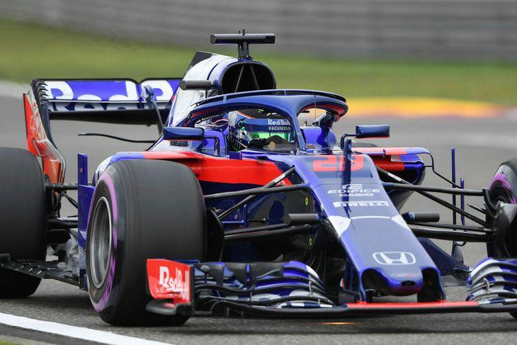 Toro Rosso undir stjórn Brendon Hartley á ferð.