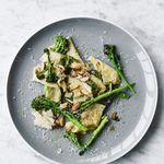 Ferskt pasta með brokkolí og möndlum