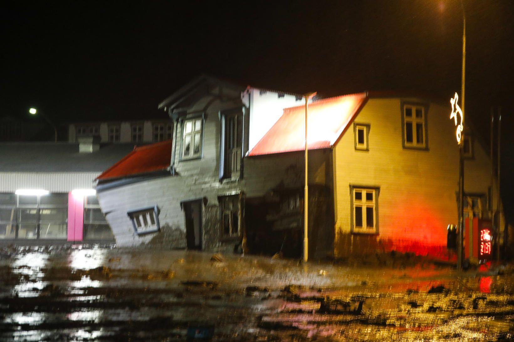 Breiðablik hreyfðist um 50 metra í nótt þegar aurskriða hreif …