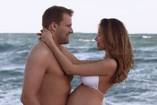 Róbert Wessman og Ksenia Shakhmanova eiga von á barni í apríl.