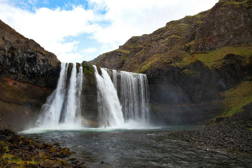Dalsfoss í Forsæludal er einn margra fossa í Vatnsdalsá.